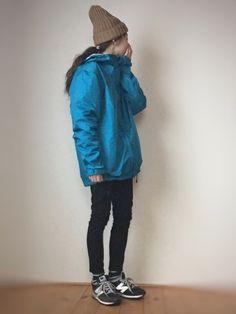 アウトドア スポーツミックス コメント♀️♀️♀️❤❤ Instagram→s Outdoor Wear, Outdoor Outfit, Outdoor Fashion, Women's Fashion, Fashion Outfits, Mountaineering, Rain Jacket, Windbreaker, Outdoors