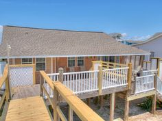A Shore Thing: 4 BR / BA single family home in Carolina Beach, Sleeps 10 - Carolina Beach Carolina Beach, House Rentals, Beach House, Home And Family, Deck, Sunday, Sleep, Bedroom, Outdoor Decor