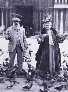 Claude Monet and Alice Hochededé (his wife) at the St. Mark's Square, Venice - this is so wonderful!