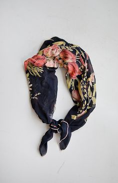 vintage 1950s navy silk floral bouquet print scarf - Click Image to Close