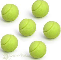 Molde para hacer jabones con forma de pelotas de tenis.