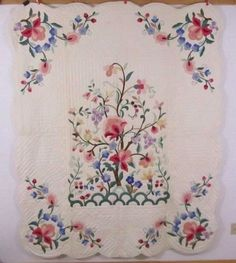 1930s Kit quilt -Tree Of Life Applique Quilt Scalloped Edges