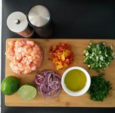 Simples e rápida essa receita de ceviche de salmão vai encantar seus convidados.