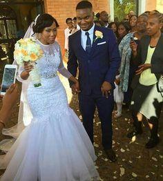 Civil Wedding Dresses, Wedding Dress Organza, Wedding Dress Necklines, African Wedding Dress, Necklines For Dresses, White Wedding Dresses, Bridal Dresses, Classy Wedding Dress, Beautiful Wedding Gowns