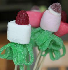 Räpellystä - askartelua, sisustusta, leipomista...: Ohjetta vaahtokarkkikukkiin