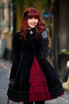 black and red classic lolita