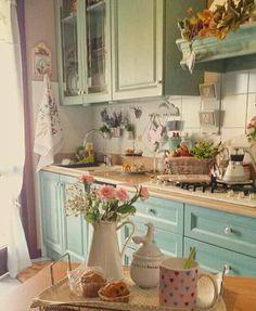 Perfect French Shabby Chic Interior Design – Shabby Chic Home Interiors Shabby Chic Interiors, Shabby Chic Homes, Shabby Chic Furniture, Shabby Chic Decor, Kitchen Styling, Kitchen Decor, Glass Kitchen, Kitchen Ideas, Kitchen Island