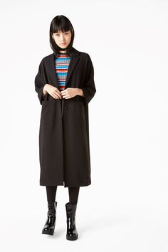 8ac47d00ac64 Monki Image 2 of Lightweight coat in Black Hübsche Outfits, Winter-outfits,  Winterkleidung