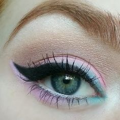 This eye tutorial shows how to create cotton candy-colored eyes using one palette. DIY this cute and fun eye makeup with the how-to here.
