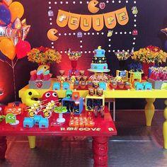 Festa super alegre e divertida com tema Pacman! Opção super bacana para meninos, por @lorena_frufru  #kikidsparty #festademenino #festapacman