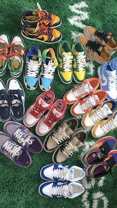Jordan Shoes Wallpaper, Sneakers Wallpaper, All Nike Shoes, Hype Shoes, Yeezy, Jordan Shoes Girls, Swag Shoes, Baskets, Tenis Casual