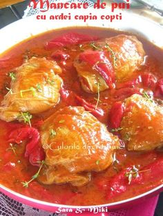 Mancare de pui cu ardei capia copti ~ Culorile din farfurie My Recipes, Chicken Recipes, Cooking Recipes, Healthy Recipes, Good Food, Yummy Food, Romanian Food, Desert Recipes, Curry