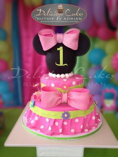 Minnie Mouse Cake - Cake by Adrian Mercado Mickey And Minnie Cake, Bolo Minnie, Minnie Mouse Pink, Minnie Mouse Party, Mickey Mouse, Minnie Birthday, 1st Birthday Girls, 2nd Birthday Parties, Birthday Ideas