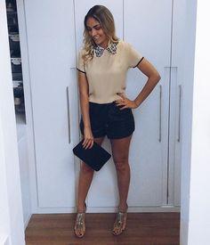 WEBSTA @ thayssvenancio - E essa blusa linda, de seda e com aplicações em renda, da @lojathainaraproenca? Fiquei apaixonada, já quero usá-la todos os dias