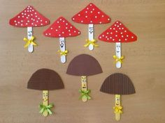 Mushroom Craft Idea We created lots of mushroom crafts for you. İf you want to make some mushroom crafts with your kids or students you can look and inspire by our created mushroom crafts. Fall Arts And Crafts, Autumn Crafts, Spring Crafts, Winter Craft, Pop Stick Craft, Craft Stick Crafts, Paper Crafts, Diy Paper, Animal Crafts For Kids