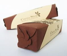 I have built a strong craving for chocolate and my love for them relocated me to accumulate sweet & delicious chocolate packaging design ideas. Silk Chocolate, Chocolate Brands, Organic Chocolate, Chocolate Boxes, Cool Packaging, Gift Packaging, Packaging Design, Packaging Ideas, Best Deserts Ever