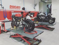 My favourite part of the new #Ducati Pune showroom.. The service center attached at the back.