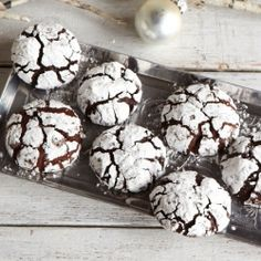 Gorgeous for the holidays: Chocolate Crinkle Cookies (egg & dairy free