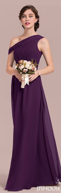 The special neckline design made this bridesmaid dress so attractive! #JJsHouse # Bridesmaid