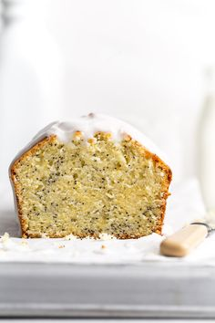 Meyer Lemon Poppy Seed Cake Pound Cake Recipes, Donut Recipes, Banana Bread Recipes, Pound Cakes, Layer Cakes, Baking Recipes, Yummy Treats, Delicious Desserts, Sweet Treats