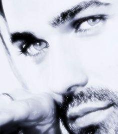 David Garrett beautiful♥ OMG, this would be David with his Mama's BLUE eyes!!!
