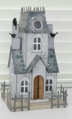 Great mansion miniature! Looks quite real