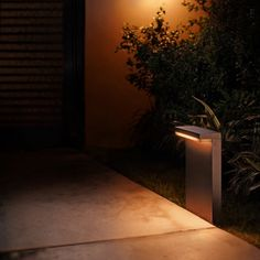 Philips Hue White and Color Ambiance LED-Sockelleuchte Nyro schwarz Philips Hue, Aluminium, Modern, Plants, Color, Backyard Patio, Lighting, Trendy Tree, Colour