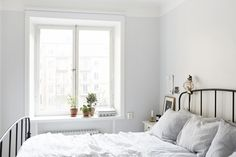 vasastan bed-windows-to-courtyard