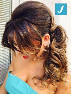 Easy chic bun! #cdj #degradejoelle #tagliopuntearia #degradé #igers #naturalshades #hair #hairstyle #haircolour #haircut #longhair #ootd #hairfashion