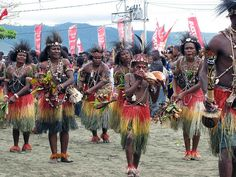Papua - Indonesia--- I am beginning to wonder if Polynesians are related to the people in Papua New Guinea.