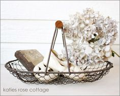 Small Oval Wire Basket ❤ Farmhouse