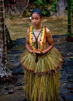 Yapanese Woman - Island Of Yap, Micronesia American Indian Girl, Native American Women, Indian Girls, Summer Wedding Outfits, Garden Wedding Dresses, Cultures Du Monde, World Cultures, Tribal Women, Tribal People