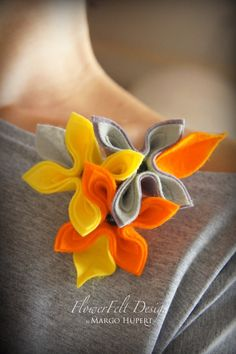 orange gray flowers Textile Jewelry, Fabric Jewelry, Handmade Felt, Handmade Flowers, Felt Flowers, Fabric Flowers, Lemon Flowers, Felt Necklace, Sewing Art