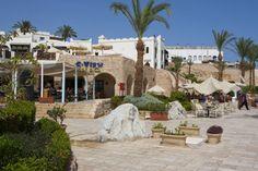 Egypt - Hurghada ETI.sk #travel #egypt #ETI #holiday Egypt, Dolores Park, Mansions, House Styles, Holiday, Travel, Vacations, Viajes, Manor Houses