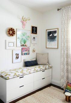 Det kan behövas en del finess för att få plats med allt vi behöver i det lilla sovrummet. Som tur är finns dessa Ikea-hacks för att göra det hela enklare!