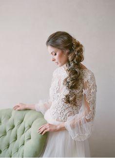 Feminine and graceful bridal styling   Lace gown   Loose braid   Fine art destination wedding photographer Madalina Sheldon