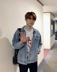 Shall we walk home together Jaehyun Nct, Nct 127, College Boyfriend, My Boyfriend, Lucas Nct, Winwin, Taeyong, K Pop, Valentines For Boys