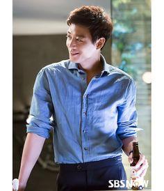 RR: Dakteoseu) is a 2016 South Korean television series starring Park Shin-hye and Kim Rae-won. It airs every Mondays and Tuesdays at (KST) on SBS starting June Shin Se Kyung, Sung Kyung, Asian Actors, Korean Actors, Doctors Korean Drama, Kdrama, Kim Rae Won, Park Shin Hye, Korean Star