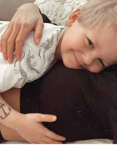 Louis Tomlinson Kid, Tomlinson Family, Cute Little Boys, Little Babies, Cute Kids, One Direction Art, One Direction Pictures, Freddie Reign Tomlinson, Briana Jungwirth