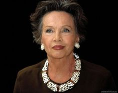 """The French actress Leslie Caron, still """"Gigi-like"""" at told me her mother's favorite saying: """"Women's skin is too fair to go bare.""""' (New York Times) Vanessa Redgrave, Beautiful Old Woman, Beautiful People, Belle Nana, Leslie Caron, 50 And Fabulous, Actrices Hollywood, Advanced Style, Aged To Perfection"""