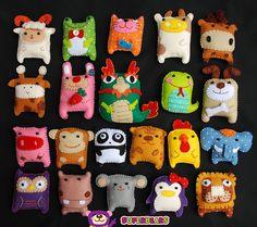 Felt Crafts Diy, Felt Diy, Resin Crafts, Felt Puppets, Felt Finger Puppets, Sock Toys, How To Make Toys, Felt Brooch, Crafts For Girls