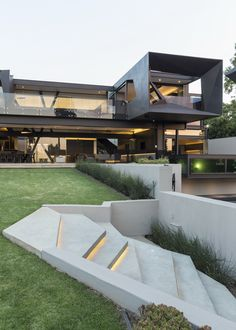 Kloof Road House | Outside | Nico van der Meulen Architects #Design…