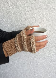 Hey, I found this really awesome Etsy listing at https://www.etsy.com/listing/210665526/beige-cream-fingerless-gloves-beige