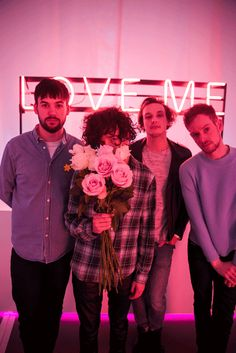 Here's 7 special reasons why Chocolate-loving, watches-you-whilst-you-are-sleeping, Change-Of-Heart-heartbreaker Matt Healy from The 1975 is a good egg that we can all learn from this year. George Daniel, Adam Hann, Rock Indie, Indie Pop, The 1975 Wallpaper, The 1975 Me, Matthew Healy, Lp Laura Pergolizzi, The Wombats