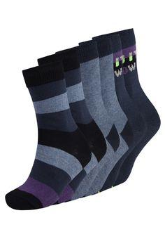 ¡Consigue este tipo de calcetines básicos de Camano ahora! Haz clic para ver los detalles. Envíos gratis a toda España. Camano OHNE GUMMIDRUCK 6 PACK Calcetines blue: camano OHNE GUMMIDRUCK 6 PACK Calcetines blue Ropa   | Material exterior: 78% algodón, 21% poliamida, 1% elastano | Ropa ¡Haz tu pedido   y disfruta de gastos de enví-o gratuitos! (calcetines básicos, basic, basico, basica, básico, basicos, casual, clasica, clasicas, clásicas, clásica, básicos, básica, socks, sock, ...