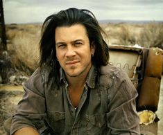 Like many Christian Kane fans, I first became aware of him as a result of his appearance as Lindsey McDonald in Joss Whedon's 'Angel'. It wasn't until his rendition of &#821…