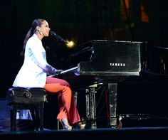 Alicia Keys performs at a City of Hope event at the Museum of Contemporary Art in Los Angeles