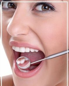 Bọc mão răng sứ có đau không?