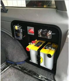 Dual battery for my Jeep? Jeep Xj Mods, Jeep Zj, Truck Mods, Jeep Truck, Srt Jeep, Chevy Trucks, Pickup Trucks, Accessoires Camping Car, Jeep Clothing