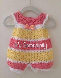 Beau Crochet, Crochet Mignon, Crochet Baby Dress Pattern, Romper Pattern, Baby Girl Crochet, Crochet Baby Clothes, Newborn Crochet, Crochet Top, Crochet Patterns